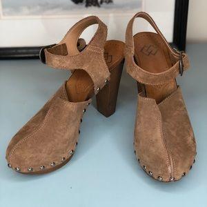 Shoes - High Heel Clogs